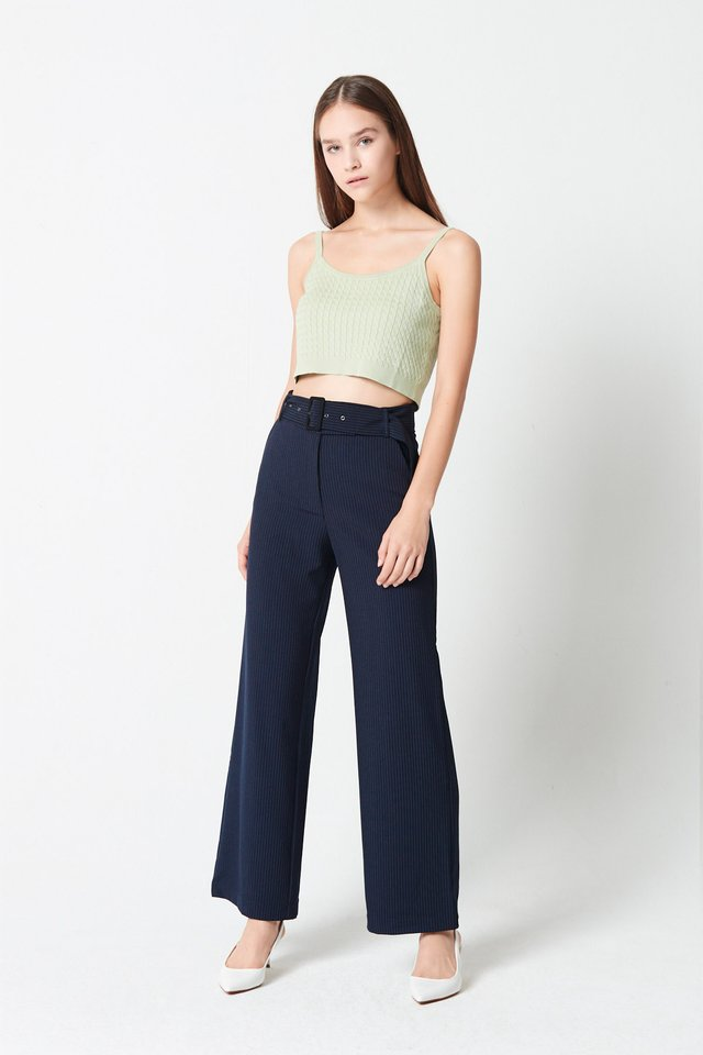 CABLE KNIT CROPPED TOP