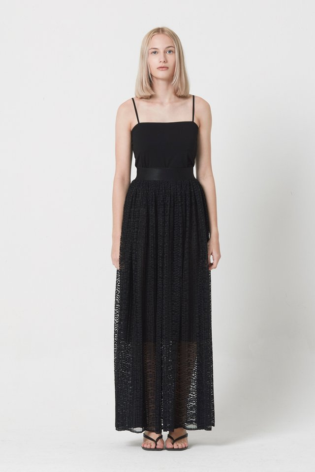 LACE SKIRT WITH INNER PIECE
